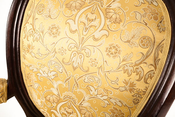 restaurování čalounění starožitného nábytku